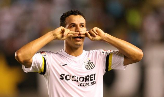 Leandro Damião fez apenas 11 gols em 43 partidas pelo Peixe