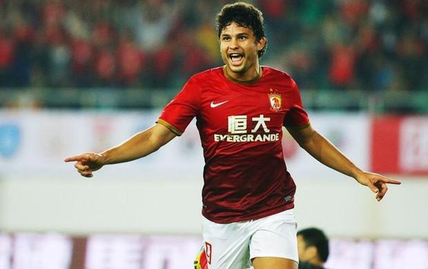 Sumido? Ex-Botafogo, o meia-atacante Elkeson é destaque no futebol chinês