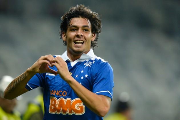 Ricardo Goulart é vice-artilheiro do Brasileirão com 15 gols