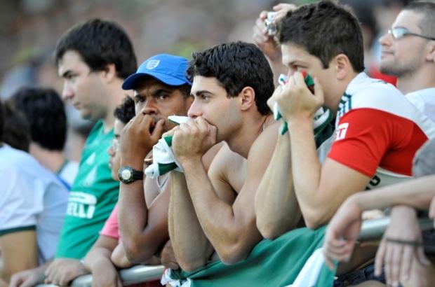 Torcedores do Palmeiras lamentam instabilidade do time em 2014