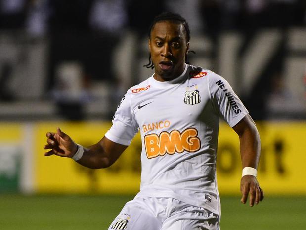 Revelado pelo Fluminense, Arouca está no Santos desde 2010