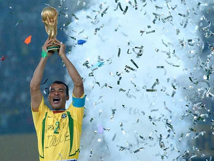 Cafu disputou 149 partidas pela Seleção e disputou quatro Copas do Mundo