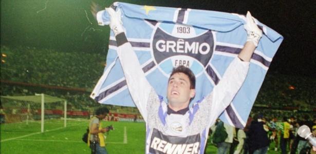 O goleiro colecionou conquistas no grêmio, inclusive a Libertadores de 95