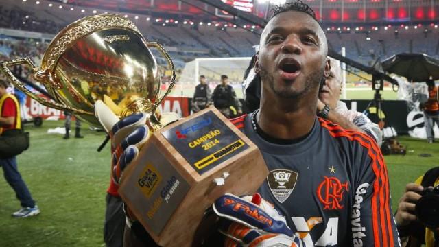 Goleiro foi campeão carioca pelo Flamengo no ano passado