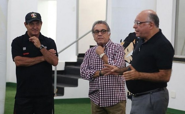 Muricy, Aidar e Guerreiro durante palestra no vestiário