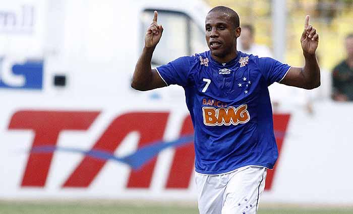 Borges sofreu com contusões no Cruzeiro, onde foi artilheiro e bicampeão do Brasileirão