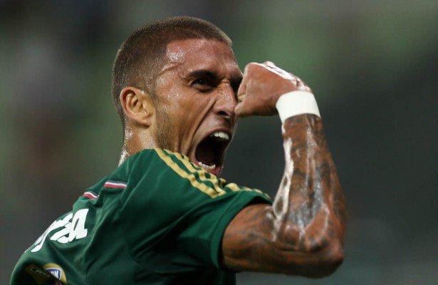 Rafael Marques fez dois gols na vitória contra o São Paulo