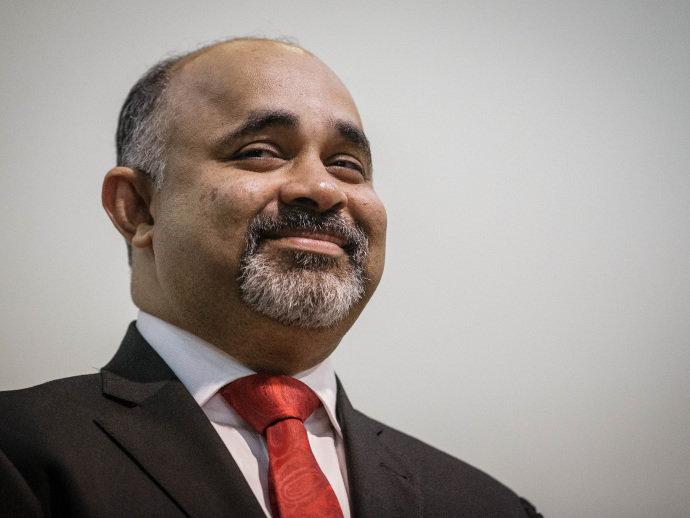 Ministro sorriso