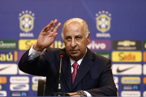 epa04707828 Brazilian lawyer Marco Polo Del Nero talks during a press conference at the headquarters of the CBF (Brazilian Soccer Confederation) in Rio de Janeiro, Brazil, 16 April 2015. Del Nero has been appointed the new president of the CBF with a four year term. EPA/MARCELO SAYAO