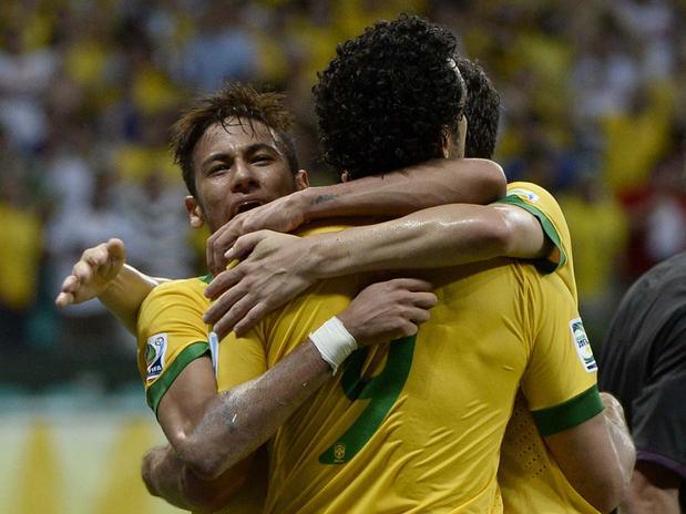 Fred foi o nome da boa vitória da Seleção. Alguém duvida que Brasil e  Espanha farão a final  7966a05242efd