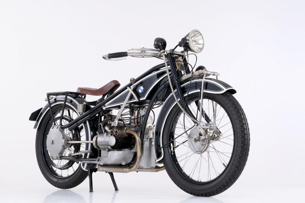 R32-1024x682 Para os fãs de motos,   BMW desenvolve novo motor boxer de 1.800 cc para brigar com a Harley