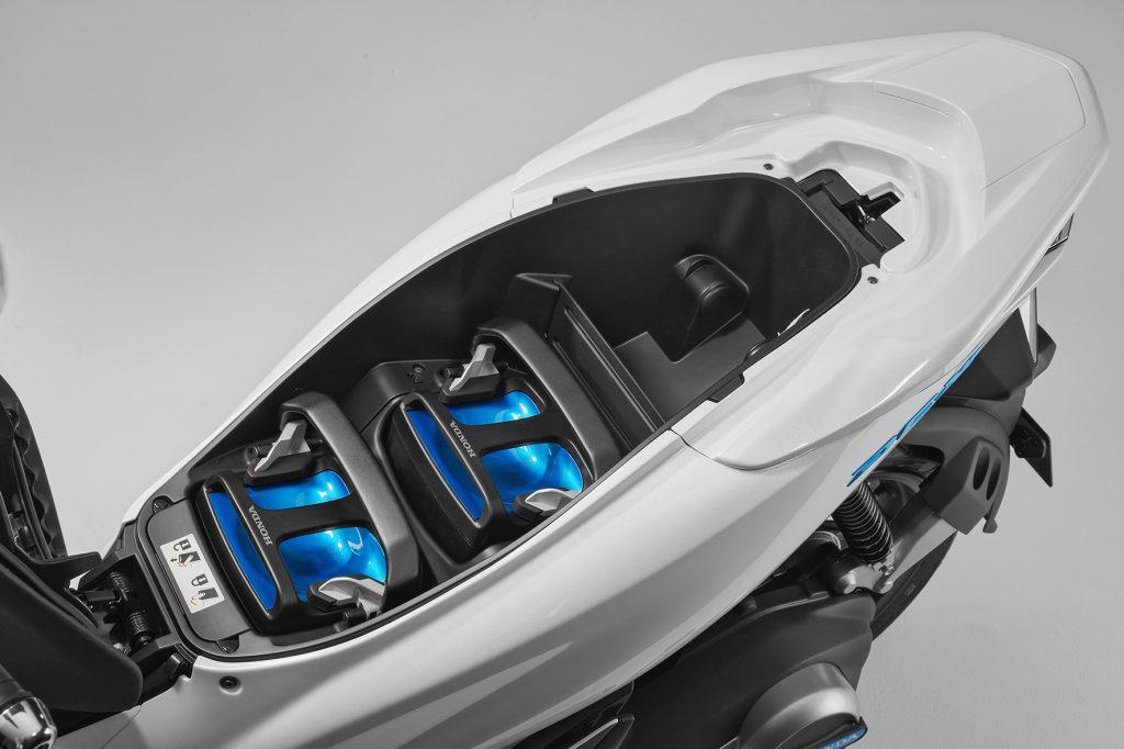 Scooter mais vendido do Brasil, PCX terá versões elétrica ...
