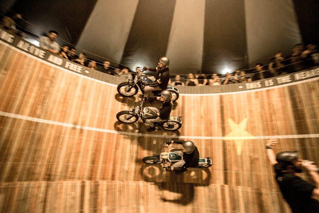 Evento em Curitiba-PR reúne motos customizadas 82390055056