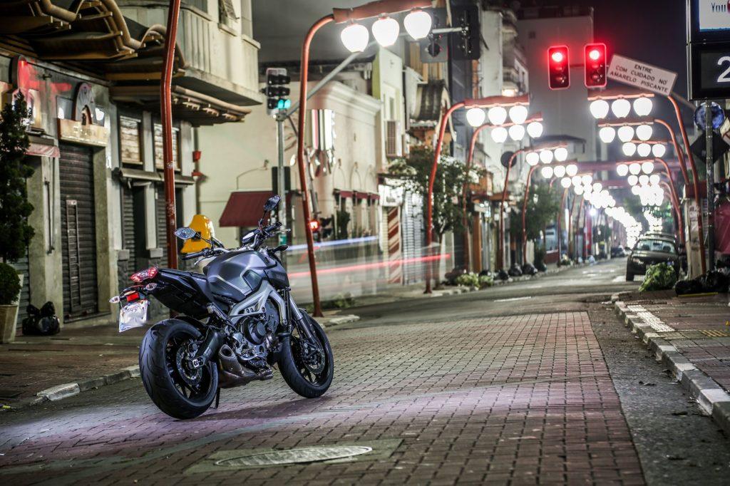 438MOTOTESTE_YAMAHA_MT09_04_2014121115318-1024x682 Descubra onde e quando acontecem os roubos e furtos de motos em São Paulo.