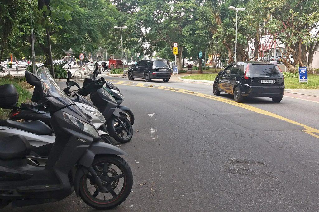 663AOGUIDÃO_ROUBOS_FURTOS_3-1024x683 Descubra onde e quando acontecem os roubos e furtos de motos em São Paulo.