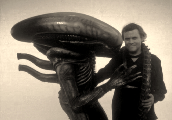 -h-r-giger-and-his-creation79_Fotor