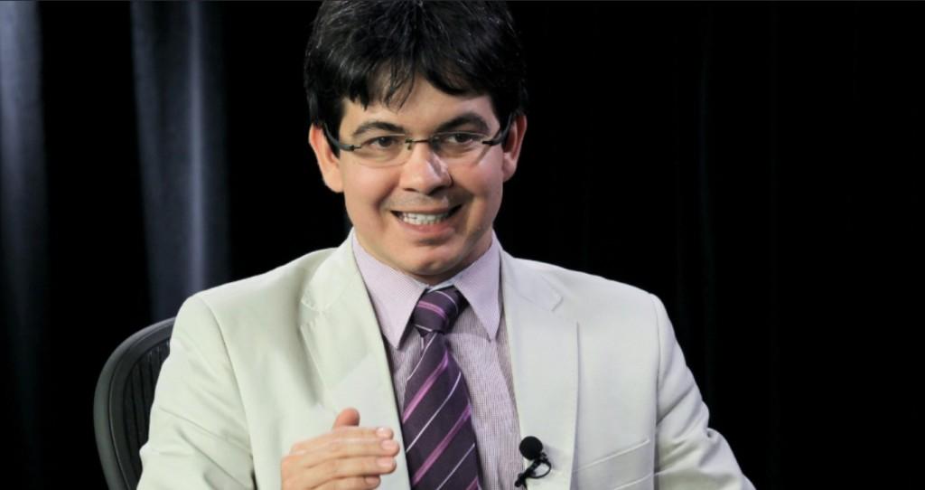 O senador Randolfe Rodrigues (PSOL-AP), autor do projeto da repatriação