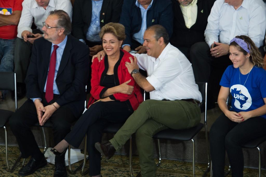 A presidenta Dilma Rousseff participa do evento Diálogo com os Movimentos Sociais, no Palácio do Planalto (Fabio Rodrigues Pozzebom/Agência Brasil)