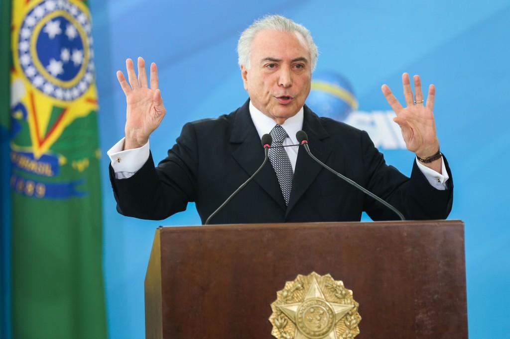 Brasília - O ministro da Saúde, Ricardo Barros e o presidente da República, Michel Temer anunciam, no Palácio do Planalto, ações de gestão na saúde pública ()