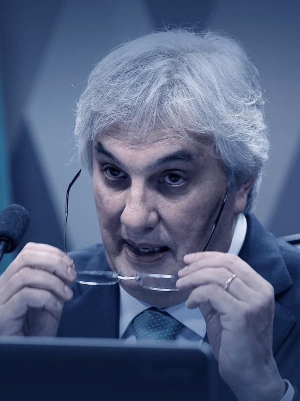 Delcidio do Amaral chegou a ser líder do governo de Dilma Rousseff no Senado