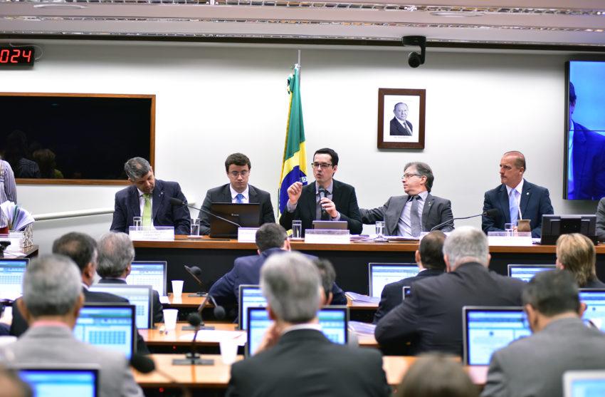O procurador da Lava Jato, Deltan Dallagnol, em debate na Câmara sobre as medidas contra a corrupção