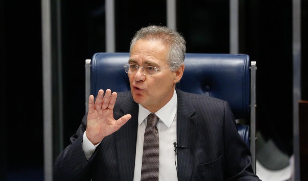 Sen Renan Calheiros, ministro do STF Gilmar Mendes e o juiz federal Sérgio Moro, durante debate do PL 280/2016, sobre abuso de autoridade o plenário do Senado. Brasilia, 01-12-2016 (Foto: Sérgio Lima/PODER 360).
