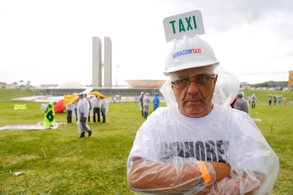 protesto-taxi-uber-sergio-lima-poder360-6dez2016