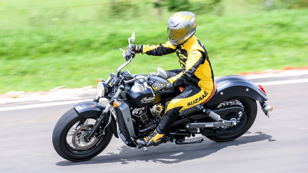 suzane_apresentacao_teste_review_indian-scout_2016_04b