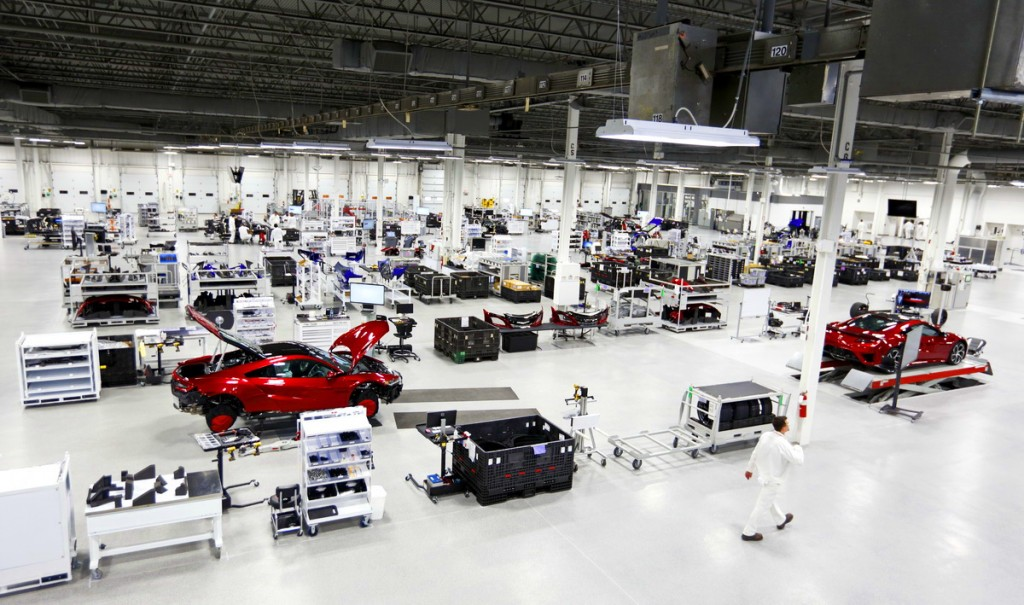 With no walls to separate departments, the Performance Manufacturing Center is focused on a one team atmosphere where associates have visual sight lines to all areas of the plant.
