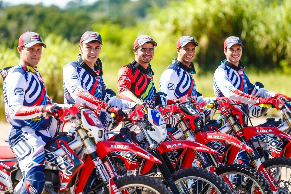 suzane_noticia_apresentacao_equipe-honda-racing_2016_07_zanol-team