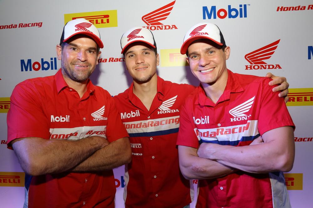 suzane_noticia_apresentacao_equipe-honda-racing_2016_09_resize
