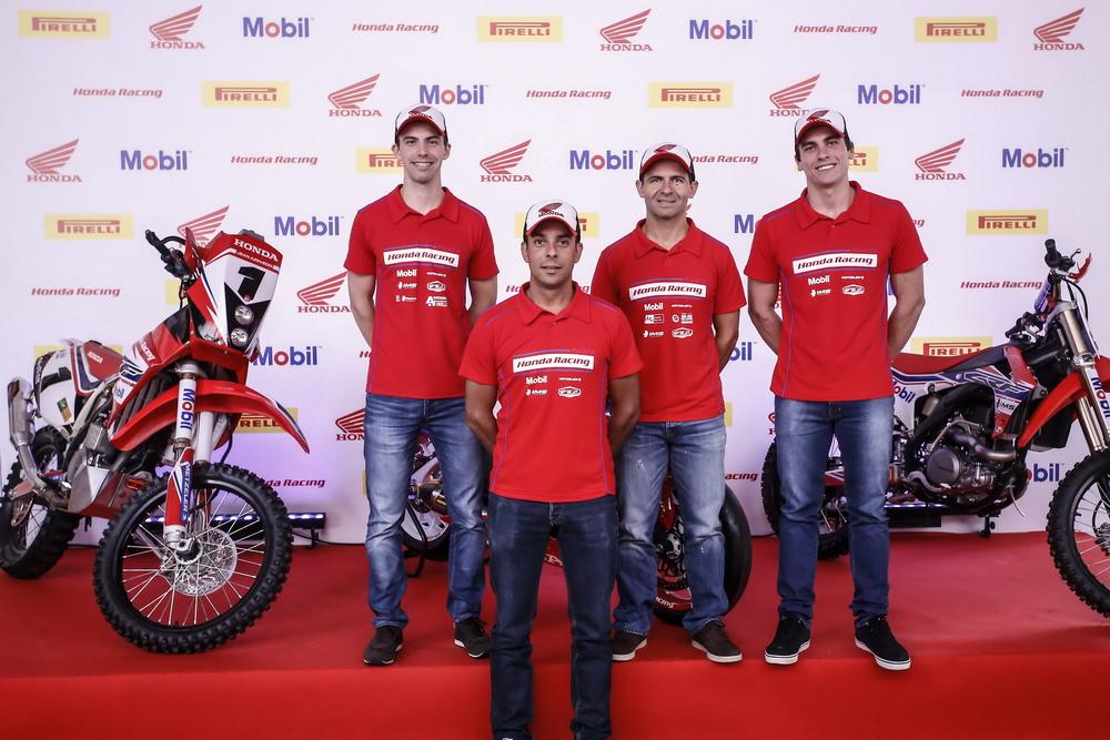 suzane_noticia_apresentacao_equipe-honda-racing_2016_10_resize