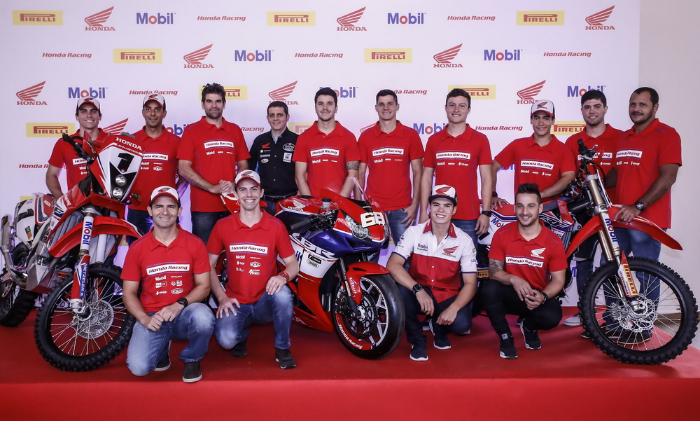 suzane_noticia_apresentacao_equipe-honda-racing_2016_16_resize