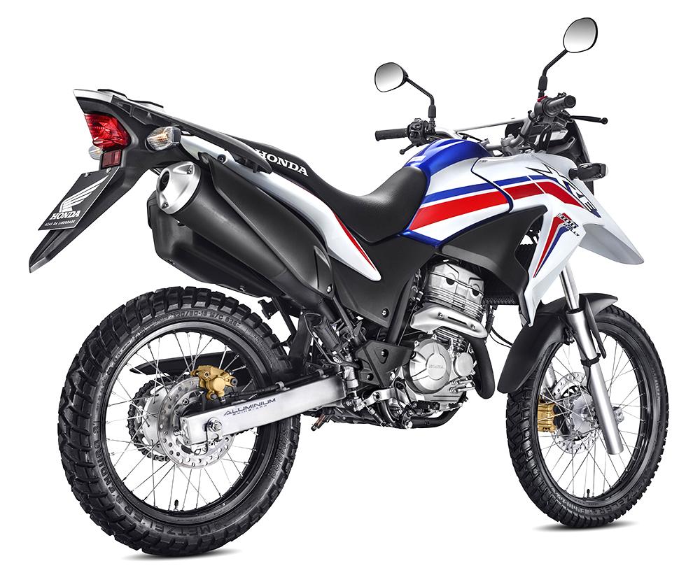 XRE 300 STD - Branca - 3_4 TD_1000