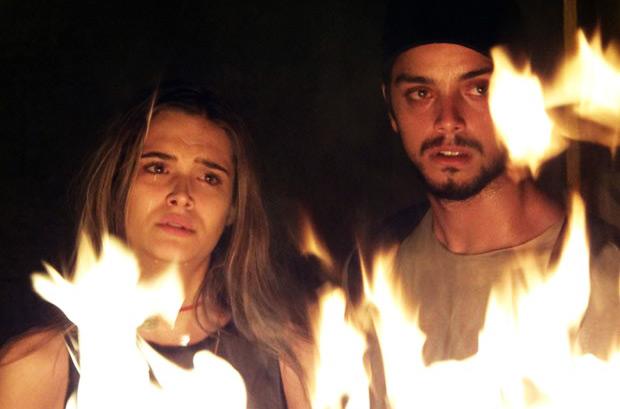 Juliana Paiva (Lili) e Rodrigo Simas (Marlon) (Foto: Divulgação/TV Globo)