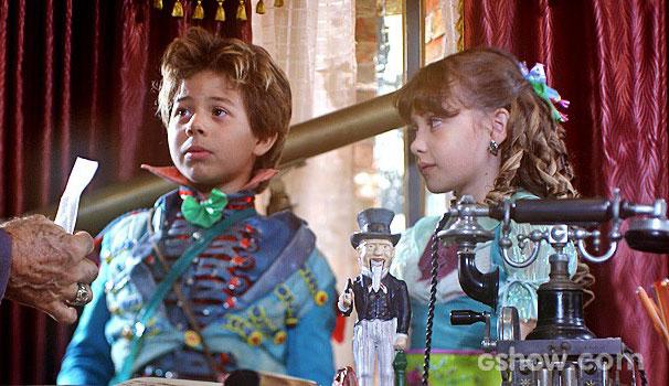 Tomás Sampaio (Lepe) e Geytsa Garcia (Pituca) (Foto: Divulgação/TV Globo)
