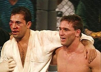 Royce Gracie ficou com o rosto amassado por cabeçadas. Apesar da rivalidade, os lutadores se abraçaram após o empate, enquanto parte do público vaiava, e parte aplaudia