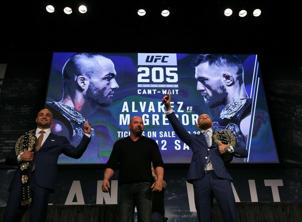 Alvarez e McGregor farão luta principal em Nova York | Michael Reaves/Getty Images
