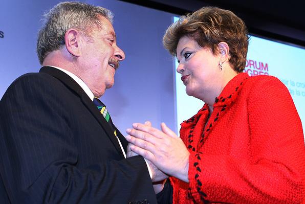 Após reuniões com Lula, Dilma e PT buscam aproximação com manifestantes e sua pauta