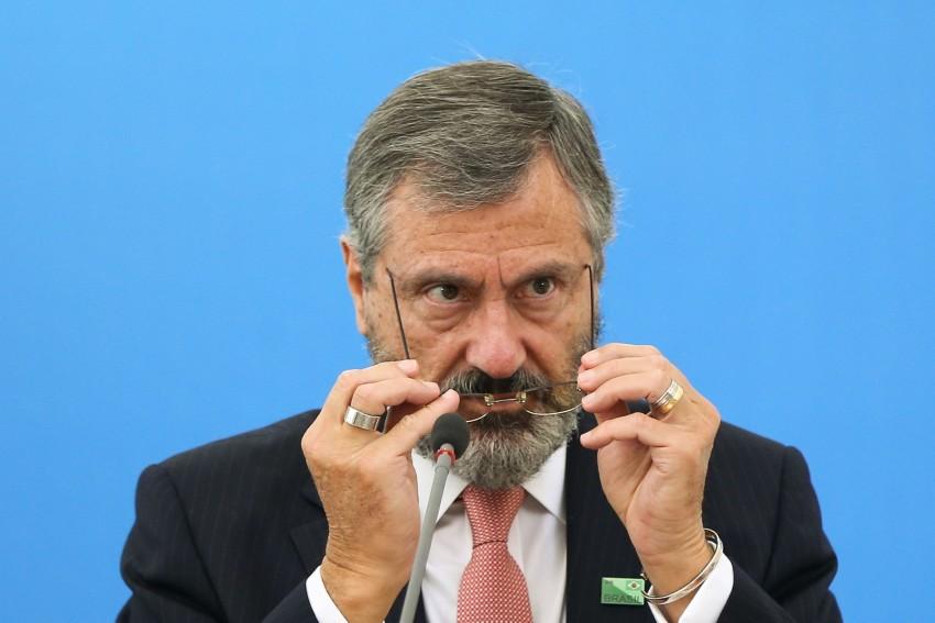 Resultado de imagem para Torquato pede 'muita prudência' antes de prender Lula