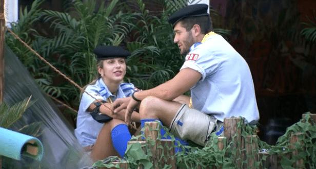 Tatiele e Roni deverão passar o final de semana acampando como escoteiros no jardim da casa