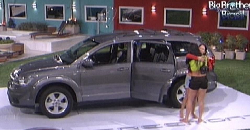 Kelly e Jake em prova do BBB12: uma contestou, a outra foi eliminada