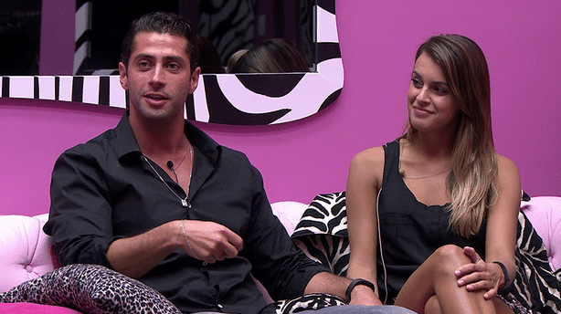 Marcelo e Angela instantes antes da eliminação dele (Foto: Reprodução/TvGlobo)