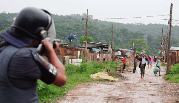 PM cumpre reintegração de posse de terreno em São Mateus, na zona leste da capital paulista. Foto: Peter Leone/Futura Press/Estadão Conteúdo