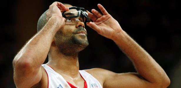 Tony Parker, protegido por óculos