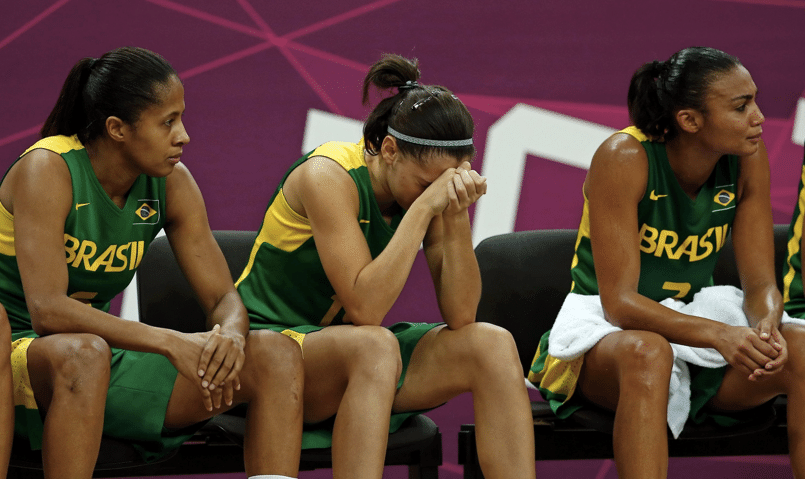 Seleção feminina de basquete perde a terceira em Londres