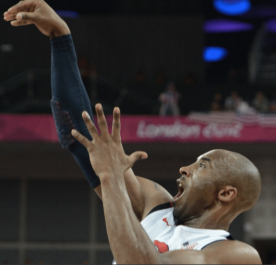 17 pontos para Kobe