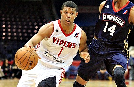 Scott batalhando na D-League