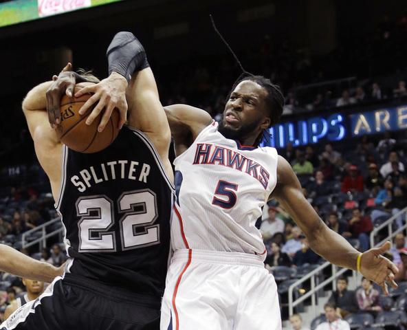 DeMarre ignora doença e arrepia na NBA. Sobra até para Splitter