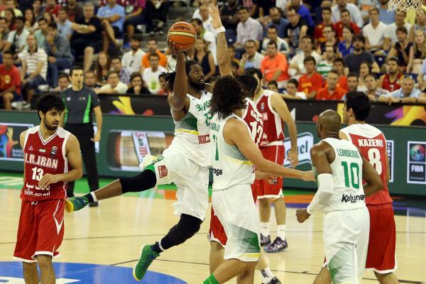Defesa forte de um time competitivo, mas ataque ainda devendo na meia quadra